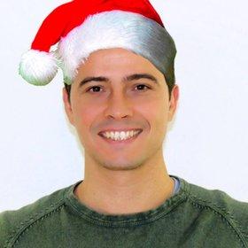 Photomontage de mettre un bonnet de Noël dans votre photo en ligne sans connaissance de la conception.