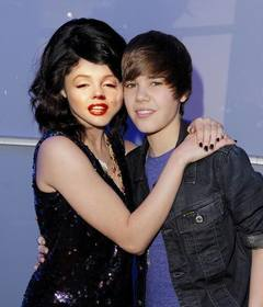 Photomontage de Justin Bieber avec une fille de mettre votre visage.