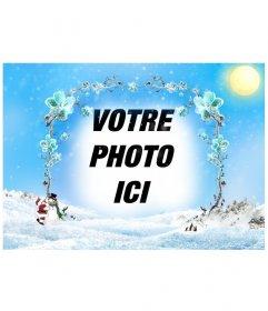 Modèle / cadre photo d'un paysage enneigé avec un cadre de branches de fleurs de glace dans lequel insérer une photo, surtout à Noël.