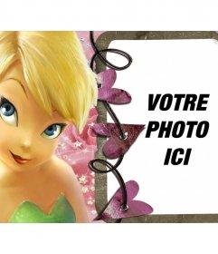 Votre photo dans un cadre derrière une fée cheveux courts blonds et les yeux bleus. Fond fait avec des roses et brillantes et une chaîne de coeurs