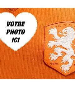 Shirt et le logo de léquipe de football des Pays-Bas pour modifier avec effet en ligne de photo de votre photo avec éditer avec votre photo et léquipe de soutien en Hollande avec la chemise orange et le logo officiel de la sélection. Partagez avec vos amis cet effet libre ou vous pouvez lutiliser comme fond décran