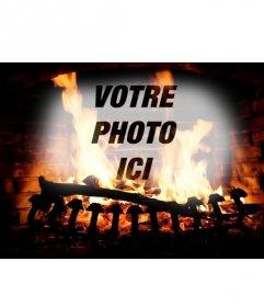 Photomontage avec limage dune cheminée avec la combustion de bûches et votre ligne téléchargés image recouverte avec le feu
