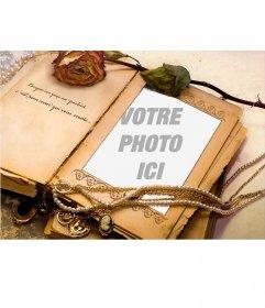 Vieux livre avec des ornements et une phrase pour ajouter votre photo