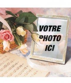 Cadre pour des photos en ligne où vous pouvez mettre votre photo dans un cadre photo avec un panier de roses et une partition de musique.