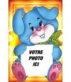"""Votre photo détenues par une belle image d""""un lapin bleu avec une écharpe verte"""