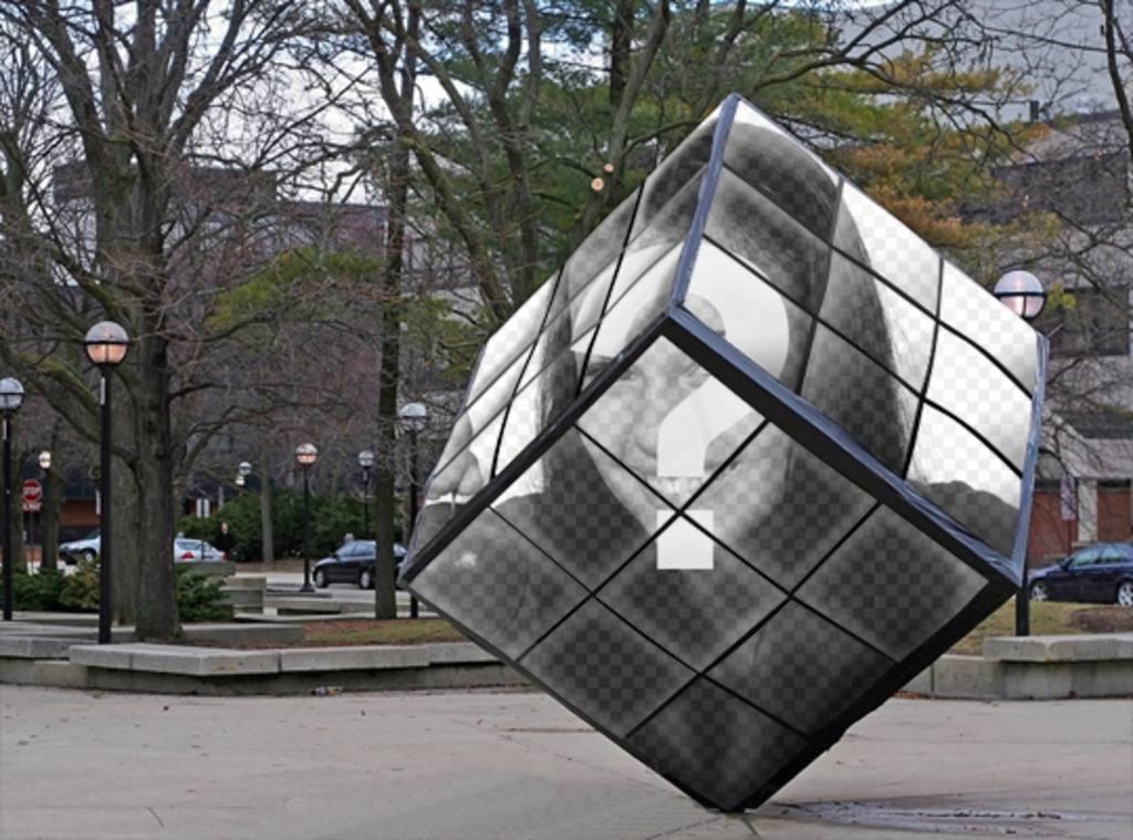 Rubiks Cube comme un monument de la rue où vous pouvez mettre votre image