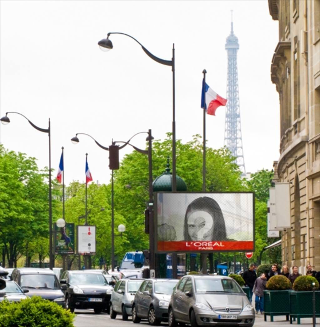photomontage dun panneau daffichage dans paris avec la. Black Bedroom Furniture Sets. Home Design Ideas