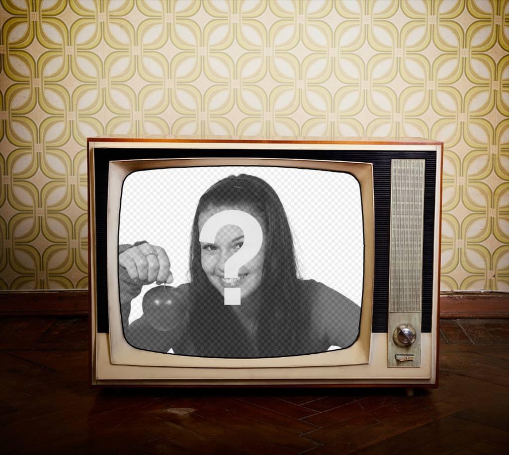 Réglage de la vieille télévision sur un fond de 80. X