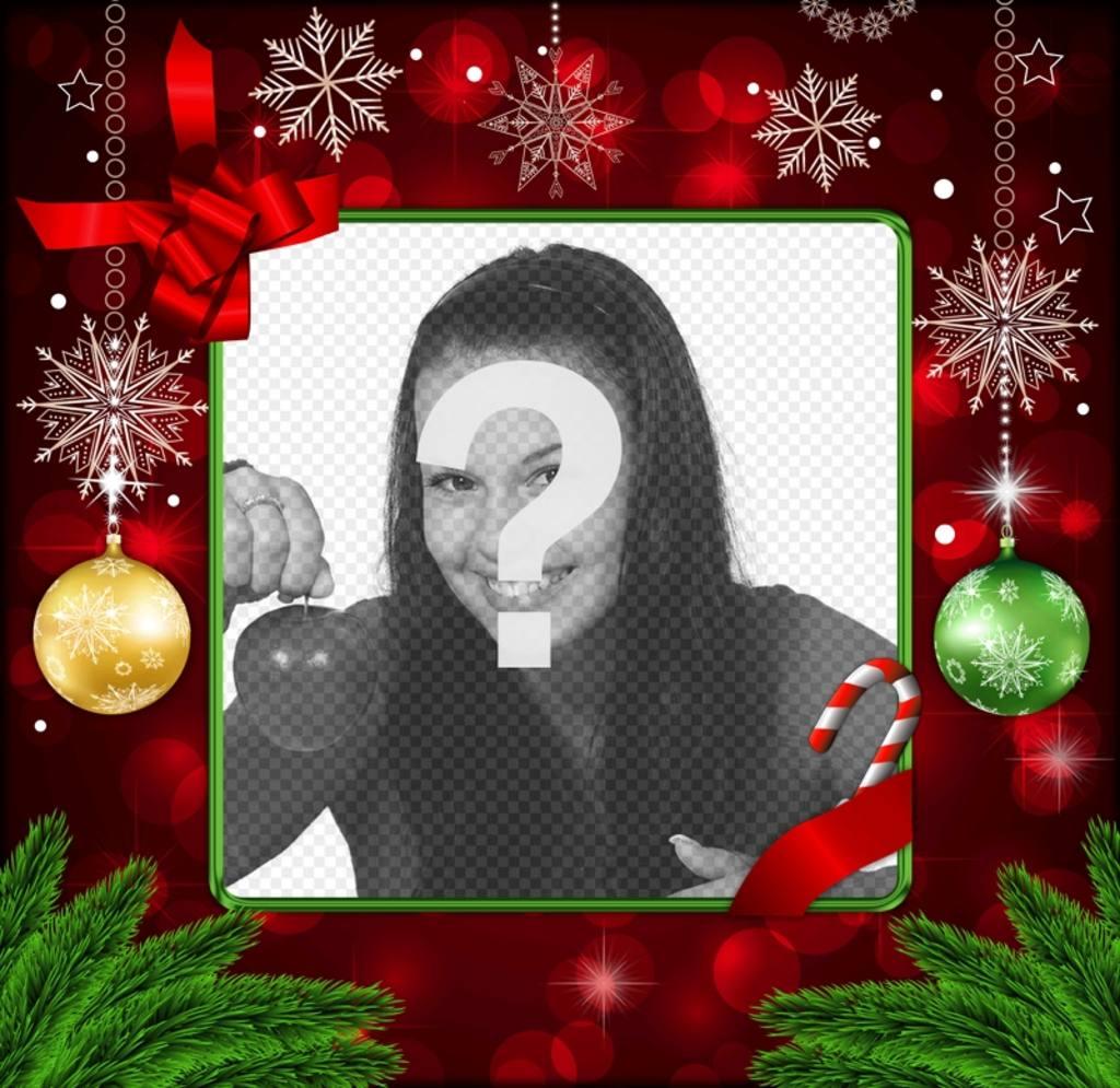 Cadre photo pour Noël avec des décorations rouges, des flocons de neige dor et des boules de Noël